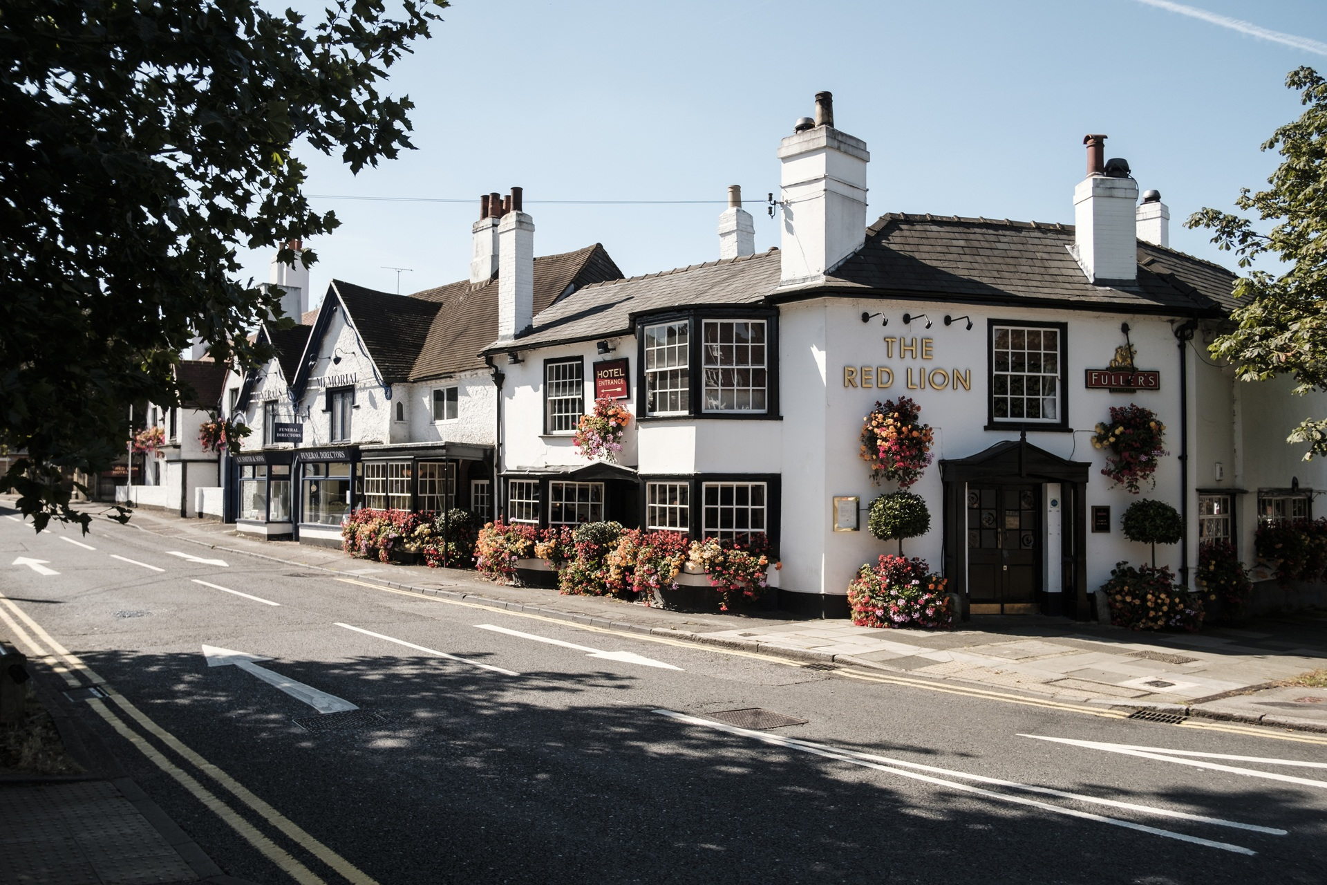 The Red Lion Hotel Fullers Pub And Hotel In Hillingdon